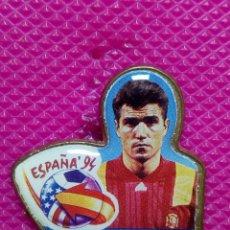 Pins de colección: PIN SELECCION ESPAÑOLA FULBOL 1994 SALINAS . Lote 147950014