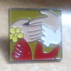 Pins de colección: PINS SOBRE LA PAZ EN EL MUNDO. Lote 147996362