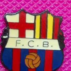 Pins de colección: PIN ESCUDO FOTO.C BARCELONA. Lote 148152762