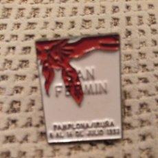 Pins de colección: PIN CARTEL DE SAN FERMIN 1993. Lote 149880658