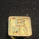 Pins de colección: PIN PLATA DORADA OJAL SOLAPA BMI BANCO MADRID 13X13MM. Lote 152576674