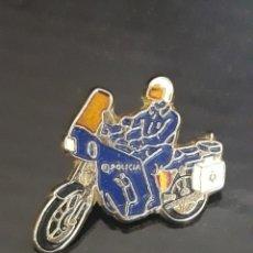 Pins de colección: PIN - MOTO POLICÍA NACIONAL. Lote 154389269