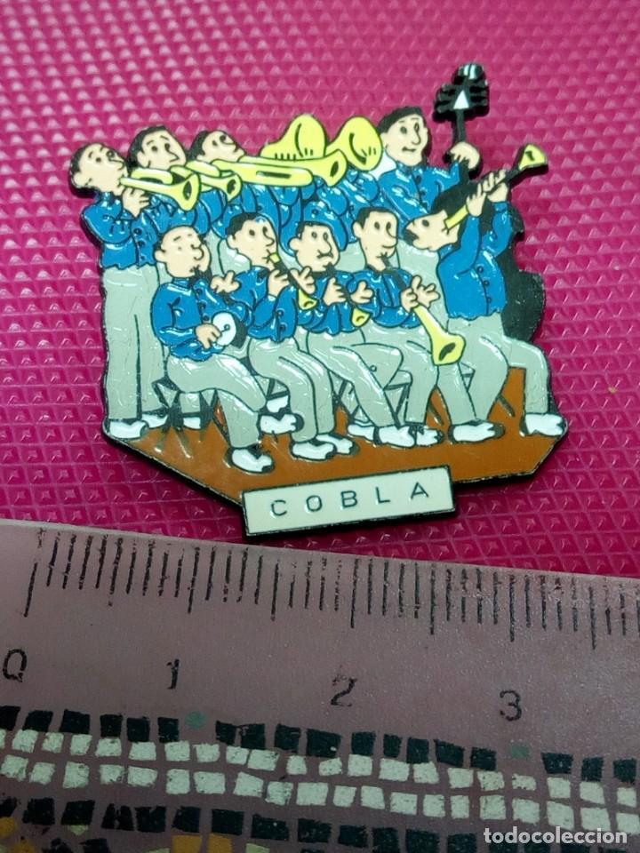 Pins de colección: PIN COBLA MUSICOS BANDA - Foto 2 - 155324830