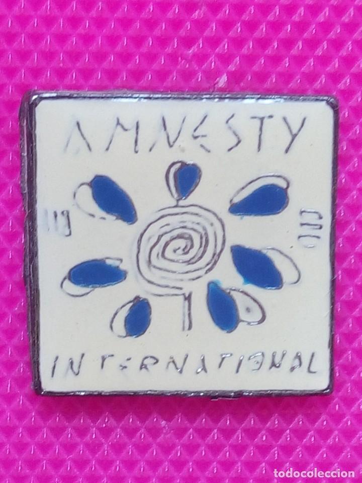 PIN AMNESTIA INTERNACIONAL (Coleccionismo - Pins)