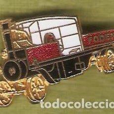 Pin's de collection: 1 PIN / PINS - INSIGNIA INGLATERRA - COCHE ANTIGUO - FODEN. Lote 156338446