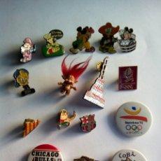 Pins de colección: LOTE DE PINS Y CHAPAS. Lote 156662170