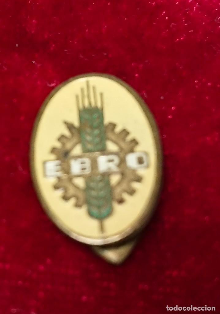 Pins de colección: ANTIGUA INSIGNIA PINS DE SOLAPA EBRO - Foto 2 - 159115966