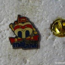 Pins de colección: PIN DE MARCAS DE ROPA. MASSANA. Lote 159809198