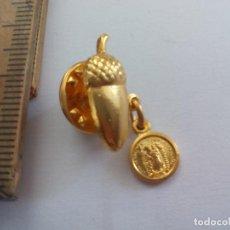 Pins de colección: PIN , CON VIRGEN Y BELLOTA, EXTREMADURA?. Lote 160251934