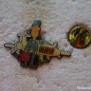Pins de colección: PIN DE CORREOS MENSAJERÍAS. MRW AVIÓN. Lote 160360098