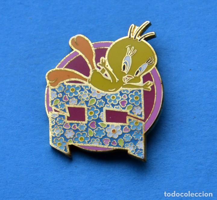 PINS DE PIOLIN (Collectable Objects - Pins)