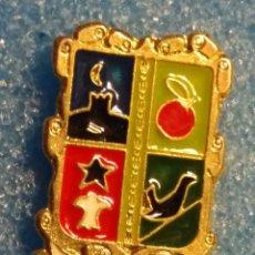Pin's de collection: ANTIGUO PIN DE PINCHO CON CLIC TRASERO - HAGA SU OFERTA - ESCUDO. Lote 163413286