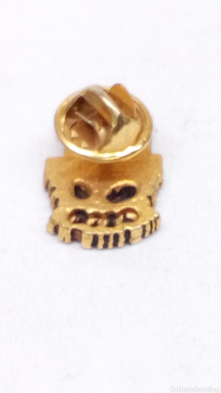 Pins de colección: Pink UGT Metal - Foto 2 - 164519992