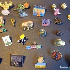 Pins de colección: LOTE DE 27 PINS DIFERENTES TEMAS, VER FOTOS. Lote 164732798