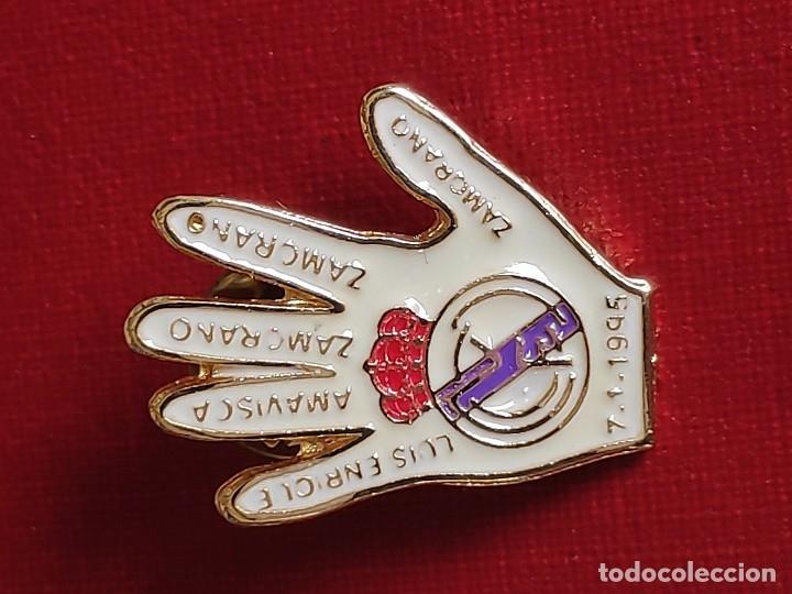 Pins de colección: PIN ESMALTADO DEL REAL MADRID CLUB DE FUTBOL.MITICA GOLEADA 5 - 0 - Foto 2 - 230428540