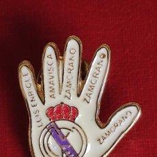 Pins de colección: PIN ESMALTADO DEL REAL MADRID CLUB DE FUTBOL.MITICA GOLEADA 5 - 0. Lote 244896040