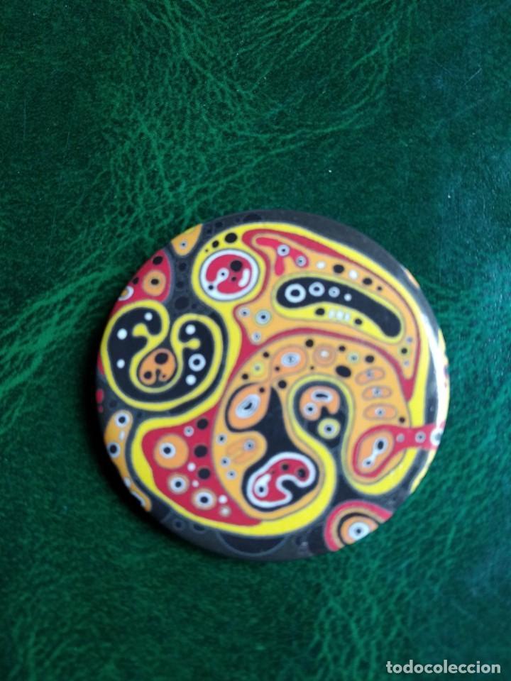PIN -CHAPA AGUJA- DIBUJO SICODÉLICO (Coleccionismo - Pins)