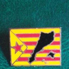 Pins de colección: PIN -CHAPA AGUJA- ESTELADA CATALUNYA (AÑOS 80.90). Lote 165829650