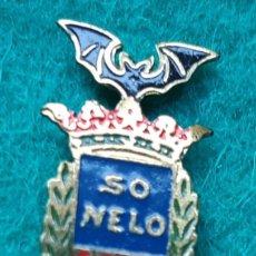 Pins de colección: INSIGNIA ESMALTADA PIN DE FALLERO FALLA CONVENTO PARADOR SO NELO VALENCIA AÑOS 50. Lote 166715298