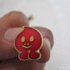 Pins de colección: PIN DE DONANTE DE SANGRE. Lote 166773025