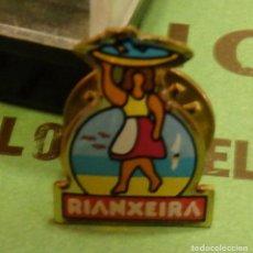 Pins de colección: RARISIMO PIN DE CONSERVAS RIANXEIRA. Lote 166979360