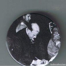 Pins de colección: DALADIER EN LA FIRMA DEL PACTO DE NUNICH. AÑO 1938. CHAPA NUEVA DE 32 MM. Lote 167798480