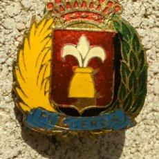 Pins de colección: PIN INSIGNIA DE AGUJA ESCUDO PUIGCERDÁ. Lote 168879998