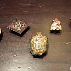 Pins de colección: LOTE ANTIGUAS INSIGNIAS. Lote 169061018