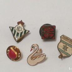 Pins de colección: PINS E INSIGNIAS VINTAGE AÑOS 70 Y 80. Lote 169746036