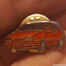 Pins de colección: ANTIGUO PIN GOLF ROJO VOLSWAGEN. Lote 169988149