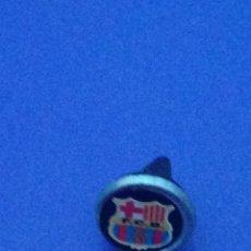Pins de colección: PINS INSIGNIA C.F. BARCELONA. . Lote 170006900