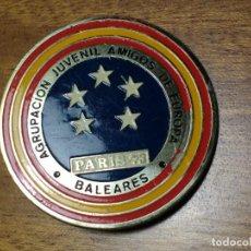 Pins de colección: CURIOSO PIN CON AGUJA: AGRUPACIÓN JUVENIL AMIGOS DE EUROPA - PARÍS 1973 - BALEARES. Lote 170127500