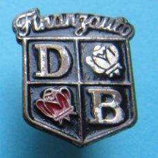 Pins de colección: INSIGNIA FINANZAUTO. DB. DAVID BROWN, MAQUINARIA AGRÍCOLA. DISTRIBUIDOR DE CATERPILLAR, 1930 - HOY.. Lote 170171912