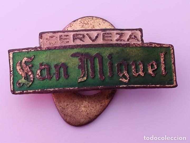 INSIGNIA OJAL SOLAPA PUBLICIDAD CERVEZA SAN MIGUEL - PIN SAN MIGUEL (Coleccionismo - Pins)