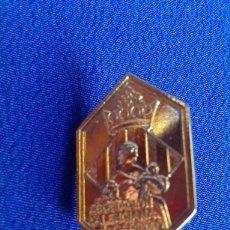 Pins de colección: INSIGNA ALFILER ASOCIANCION VALENCIANA DE LA CARIDAD VALENCIA. Lote 171693808