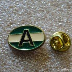 Pins de colección: PIN DE TURISMO BANDERAS. ANDALUCÍA. Lote 171702402