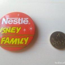 Pins de colección: CHAPA NESTLE DISNEY FAMILY. Lote 172111903