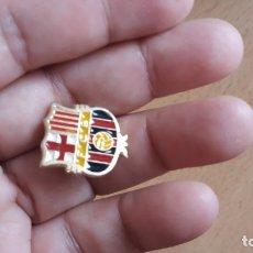 Pins de colección: PINS ESCUDO DE BARCELONA. Lote 172221705