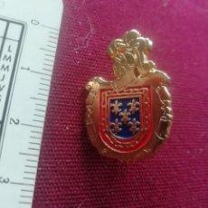 Pins de colección: PIN HERÁLDICO. Lote 172957659