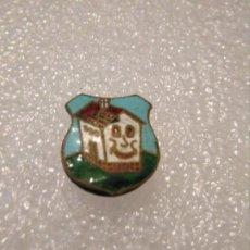 Pins de colección: RARA INSIGNIA ESMALTADA GASEOSA LA CASERA. Lote 173297253
