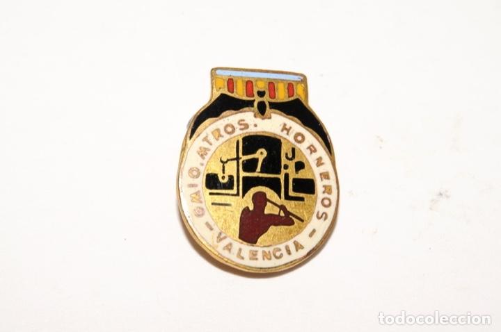 Pins de colección: INSIGNIA ESMALTADA DE OJAL - GREMIO MAESTROS HORNEROS (VALENCIA) - Foto 2 - 173625255
