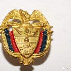 Pins de colección: PIN - INSIGNIA CON PASADOR - LIBERTAD Y ORDEN. Lote 173625968