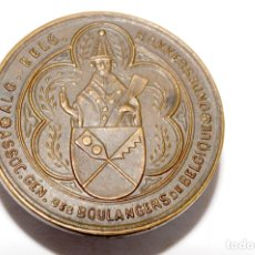 Pins de colección: PIN - INSIGNIA DE OJAL EN BRONCE - ASSOC. GEN. DES BOULANGERS DE BELGIQUE. Lote 173626255