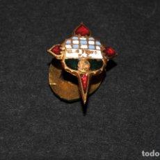 Pins de colección: PIN - INSIGNIA DE OJAL ESMALTADA DE FUTBOL - CLUB FERROL FUTBOL CLUB. Lote 173651355