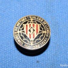 Pins de colección: PIN - INSIGNIA DE OJAL ESMALTADA - VIII CONGRES DE METGES I BIOLEGS DE LLENGUA CATALANA. Lote 173856440