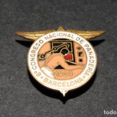 Pins de colección: PIN - INSIGNIA DE OJAL ESMALTADA - 6º CONGRESO NACIONAL DE PANADERÍA (BARCELONA) AÑO 1929. Lote 173914863