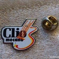 Pins de colección: PIN DE COCHES MOTOS. RENAULT CLIO. GIRA MECANO. Lote 174041865