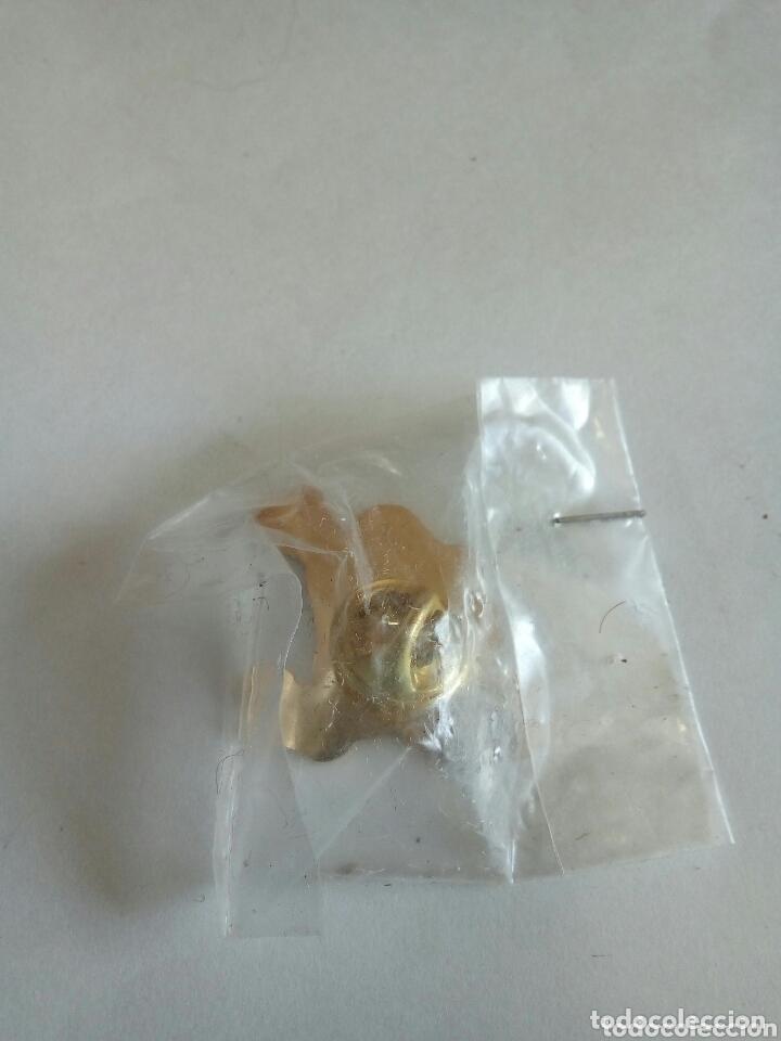 Pins de colección: PIN DE PUBLICIDAD ARIEL ULTRA - Foto 2 - 174236122
