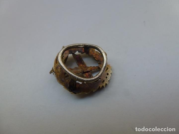Pins de colección: PIN DE SOLAPA. ELABORADO EN PLATA. FACULTAD DE FILOSOFÍA Y LETRAS. UNIVERSIDAD DE SALAMANCA - Foto 2 - 193950283