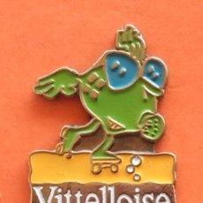 Pins de colección: PIN AGUA VITTELLOISE. Lote 174898408